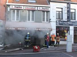 Menen: Frituur totaal verwoest na brand