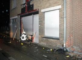 Kuurne: auto komt in woning terecht