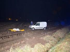 Heule: Bestuurder komt om het leven nadat voertuig in akker terecht komt