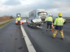 Kortrijk: Bestuurder gewond na kop- staartaanrijding op E17