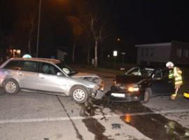 Harelbeke: Auto's rijden frontaal in op elkaar
