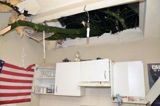 Windhoos richt veel schade aan in Zuid- West-Vlaanderen