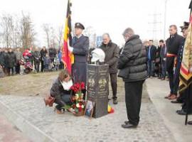 Deerlijk: Gedenkteken onthult voor verongelukte brandweerman Wouter Vancraeynest