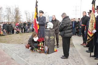 Gedenkteken onthult voor verongelukte brandweerman Wouter Vancraeynest