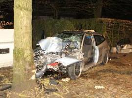 Zwevegem: Bestuurder zwaar gewond nadat wagen naast rijweg terecht komt