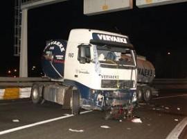Kortrijk: Vrachtwagen gaat in schaar op verkeerswisselaar