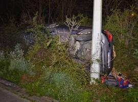 Deerlijk: Bestuurder crasht met voertuig in berm