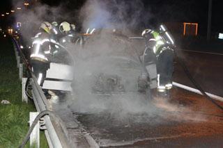 autobrand op E17, bestuurder en passagier komen er met de schrik vanaf