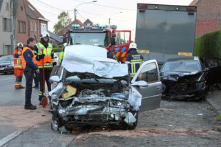 zwaar verkeersongeval, 2 gewonden