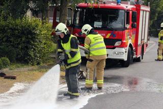 Riooldeksel slaat gat in brandstoftank