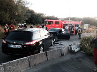 Drie gewonden bij frontale klap in condedreef te Kortrijk