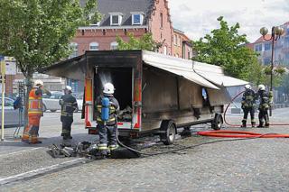 marktkraam brandt volledig uit in Waregem