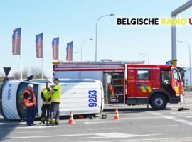 Roeselare: politiecombi gekanteld na aanrijding