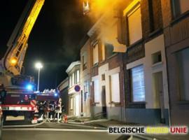Slaapkamerbrand veroorzaakt heel wat schade in Menen