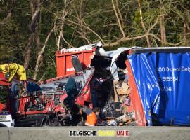 Vrachtwagenbestuurder kritiek na ongeval op E40