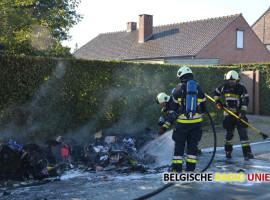 Aanhangwagen en lading gaan volledig in vlammen op in Torhout