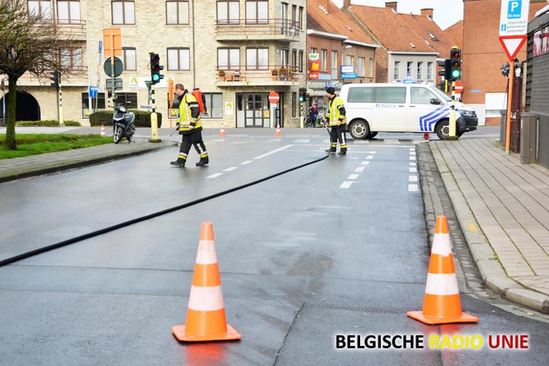 Oliespoor langs Meenseheirweg in Roeselare