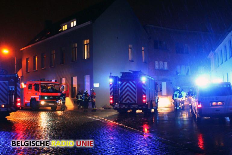 Moeder en 3 kinderen bevangen na keukenbrand in appartement