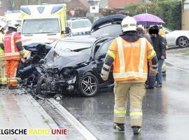 Twee gewonden bij frontale aanrijding in Beveren-Leie