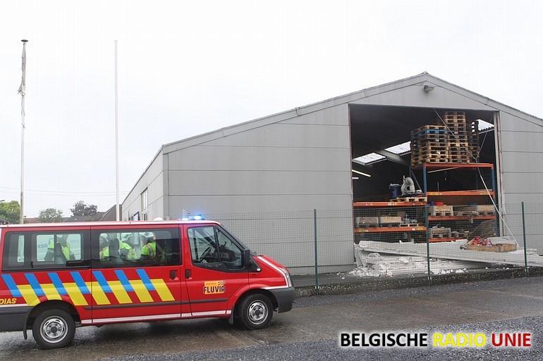 Muur van bedrijfsgebouw ingestort in Desselgem