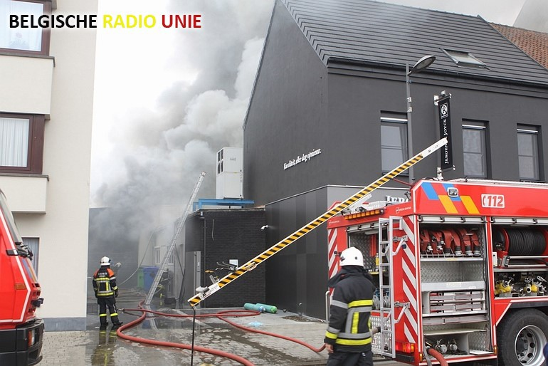 Zware brand in achterbouw slagerij in Avelgem