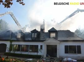 Uitslaande brand vernielt villa in Wielsbeke