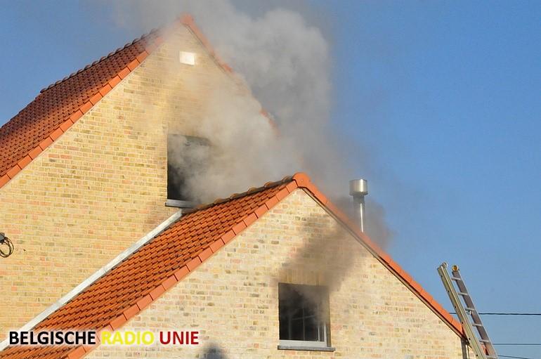 Dakbrand in Leke