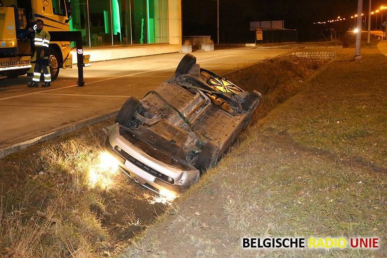 Bestuurster ongedeerd bij verkeersongeval