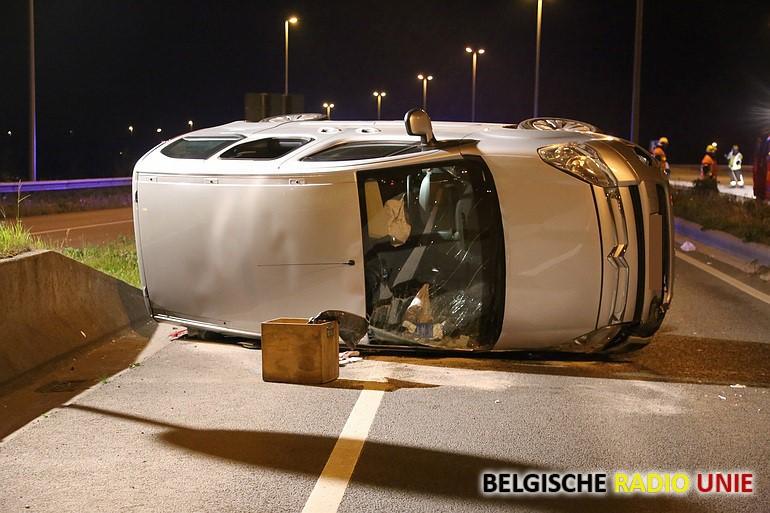 Bestuurder lichtgewond bij verkeersongeval