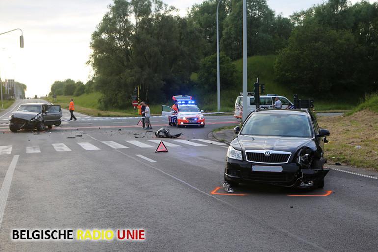 Ongeval op de R8 met de Brugsesteenweg in Kuurne
