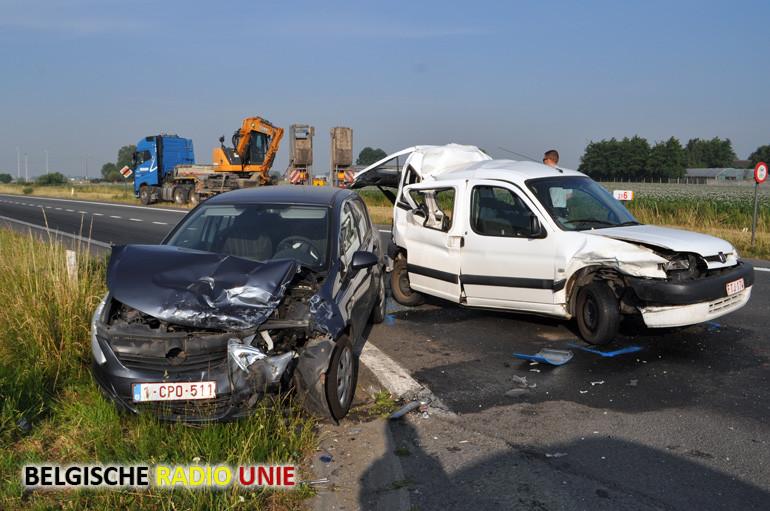 Zwaar gewonde bij ongeval op de N58 in Wervik