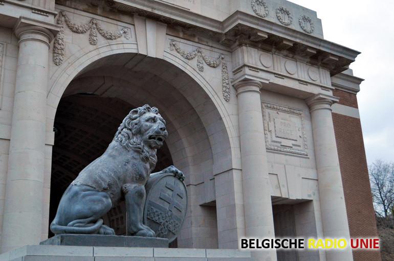 Afscheidsceremonie stenen leeuwen Menenpoort