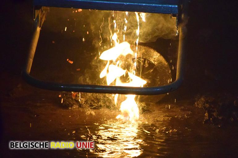 Brand bij maatwerkbedrijf 't Veer in de Industrielaan te Menen
