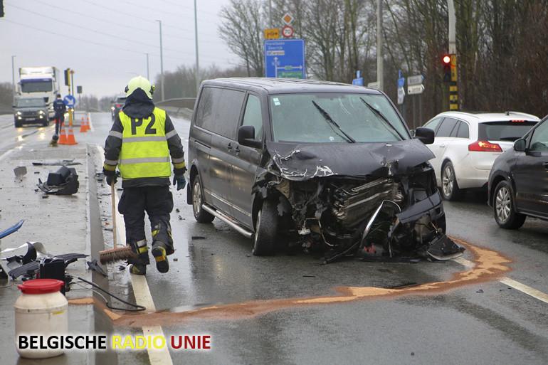 Ongeval op de Vichtesteenweg ter hoogte van brug over E17