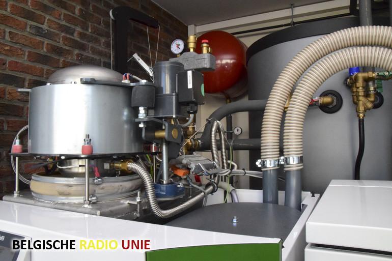 Efficiënt uw huis verwarmen en voorzien van elektriciteit los van het net?