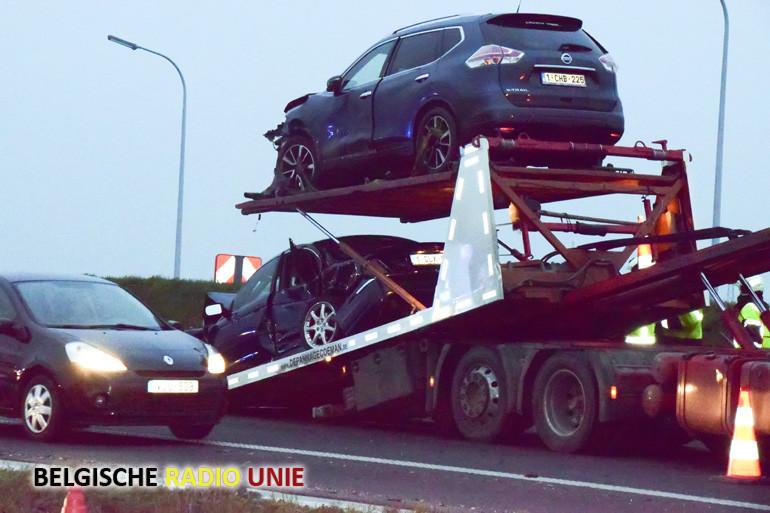 Ongeval op de A19 ter hoogte van Menen waarbij 5 wagens betrokken zijn