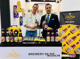 Brouwerij De Bie bemachtigt plekje op Aziatische beurs met wereldfaam én lanceert daar drie nieuwe fruitbieren