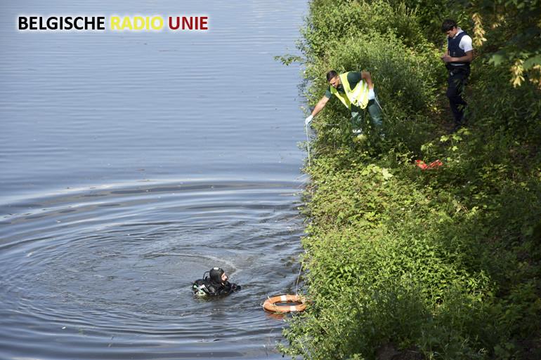 Man sukkelt ter hoogte van de Bruanebrug in het water en verdrinkt