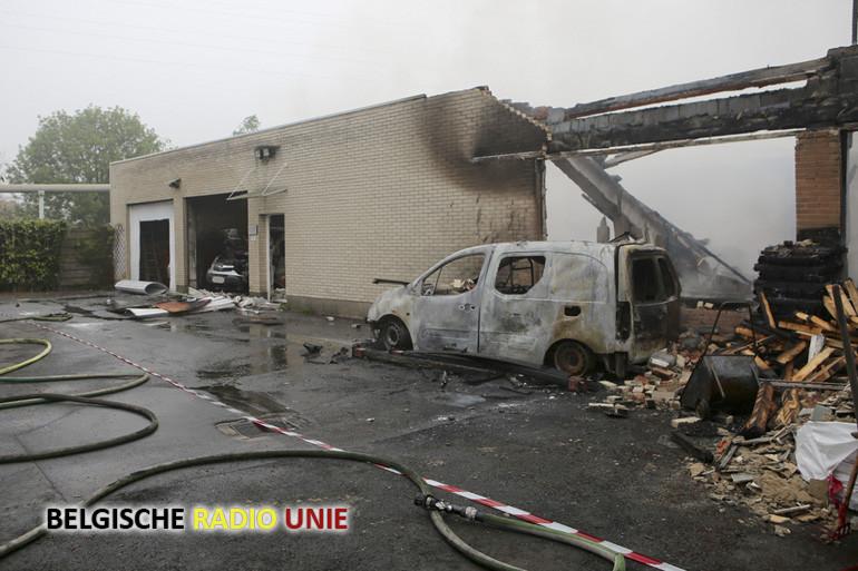 Zware brand in schrijnwerkerij in Zwevegem