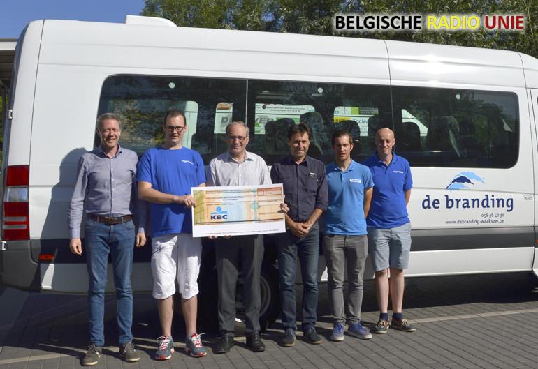 Een eerste organisatie van de truck- en lichtjesshow in Kuurne bracht € 500 op voor De Branding