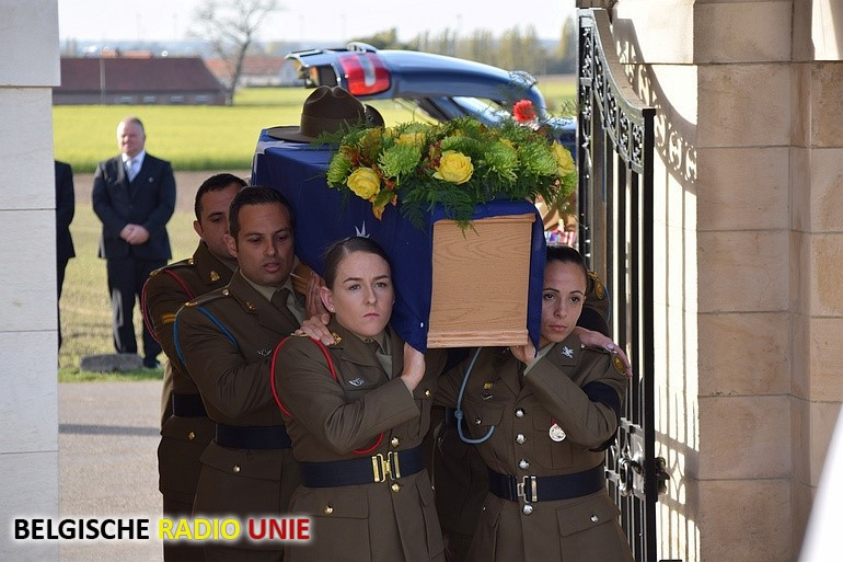 Begrafenis van 3 onbekende soldaten