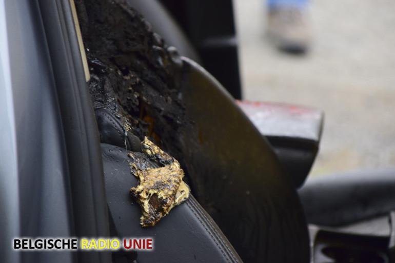 Elektrisch verwarmde autozetel vat vuur