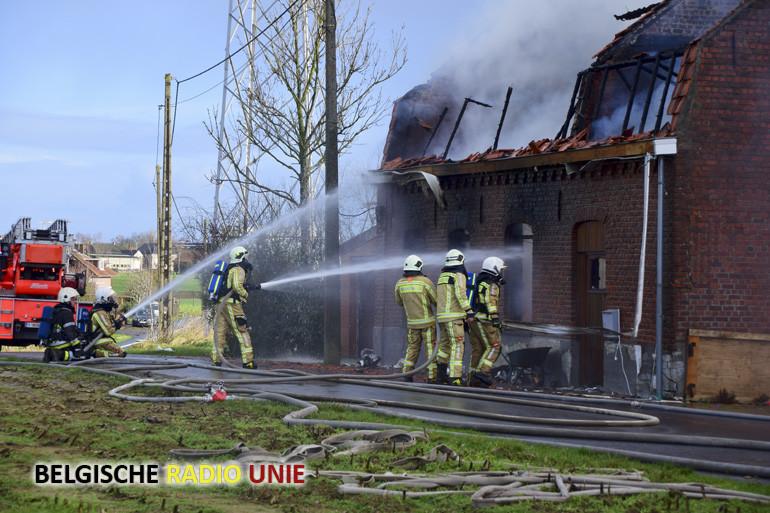 Zware brand vernielt woning in Wijtschate