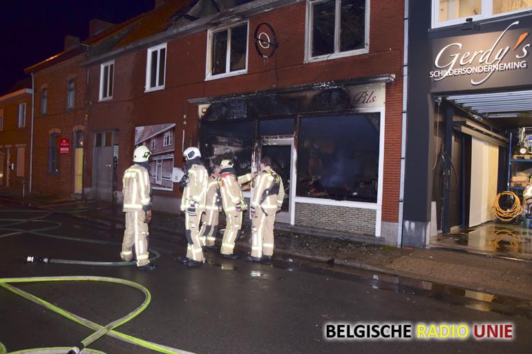Café-frituur De Gilde Boezinge volledig vernield door brand