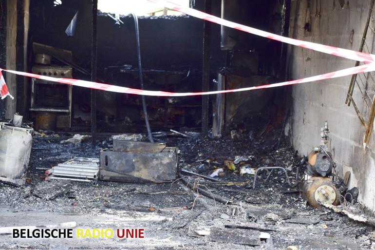 Frietketel vat vuur in garage van bewoonster