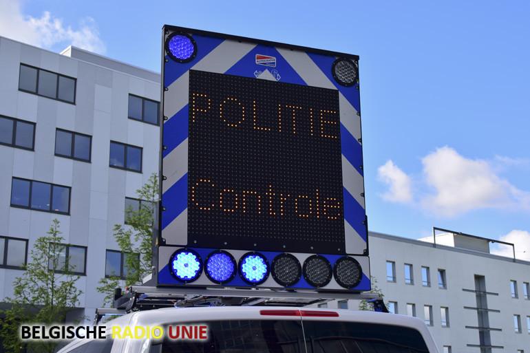 Nieuw commandovoertuig en voertuig met daksignalisatiepaneel voor Politiezone RIHO