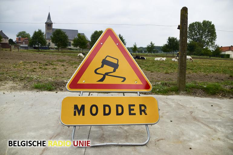 Nieuwe campagne tegen modder op de weg in West-Vlaanderen
