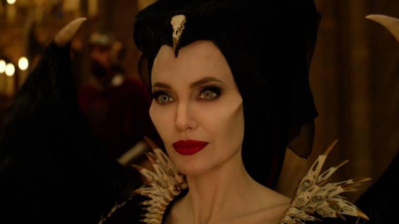 Angelina Jolie schittert als vanouds : Maleficent 2
