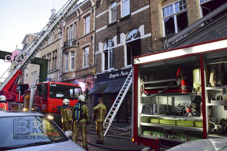 Twee handelspanden in centrum Ieper vernielt door brand