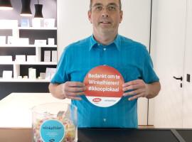Kuurnse handelaars krijgen elk drie gratis 'social distancing bollen' van Unizo Kuurne